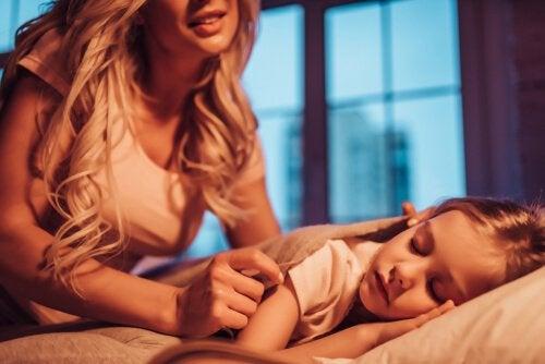 엄마가 아이를 위해 몰래 하는 7가지