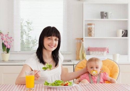 모유수유를 하면 체중이 줄어들 수도, 늘어날 수도 있다