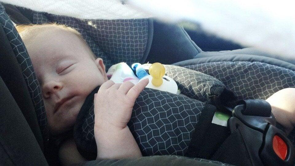 신생아를 태우고 운전할 때 필요한 조언