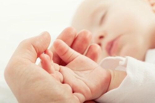 초보 엄마를 위한 신생아 돌봄 가이드