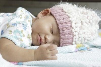 건강한 잠버릇: 생후 0~3개월 신생아의 수면
