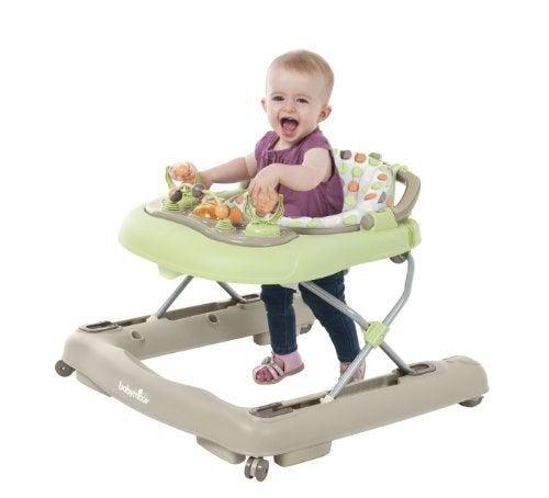 보행기는 아기 첫 걸음마의 적일까, 도우미일까?