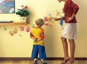 아이를 위협하는 육아