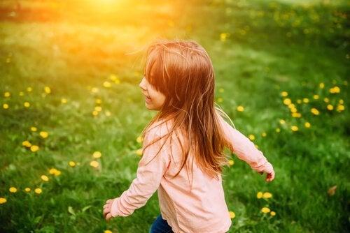 아이들의 머리카락과 눈동자 색은 어떻게 결정될까?