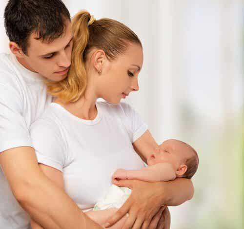 아이가 태어나면 부부의 사랑은 강력해진다