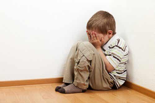 혼자 있기를 두려워하는 아이 이해하기