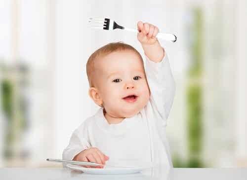 아이에게 주면 안 되는 10가지 음식
