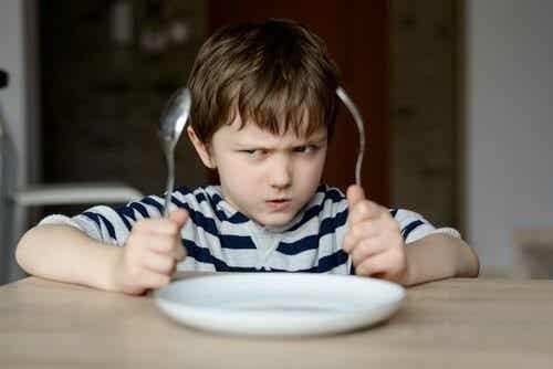 아이에게 먹기를 강요하면 안 되는 이유