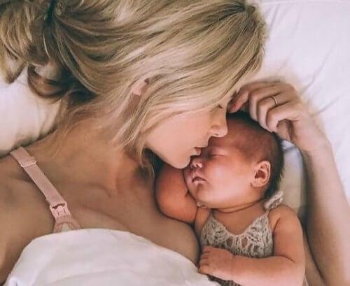생후 4개월부터 시작되는 사회성 발달