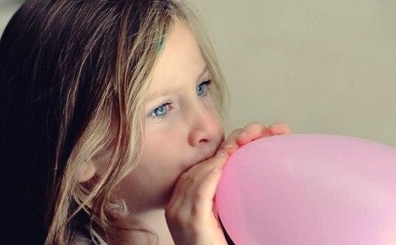 긴장한 아이를 진정시키는 풍선 기법