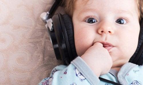 아기의 지능을 개발하는 방법 모차르트
