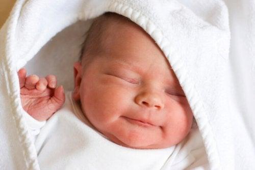 신생아에 관한 13가지 신기한 사실들