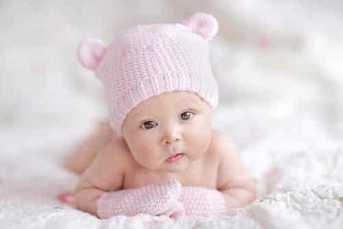 태어날 아기를 위한 준비: 필요한 신생아 의류