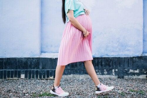 임신 중 걷기 운동: 어떤 속도로 얼만큼 걸어야 할까?