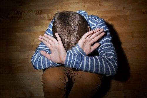 성적 학대를 예방하기 위해 아이에게 가르쳐야 할 10가지