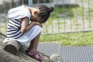 성적 학대는 아이가 감당하기 힘든 일이다