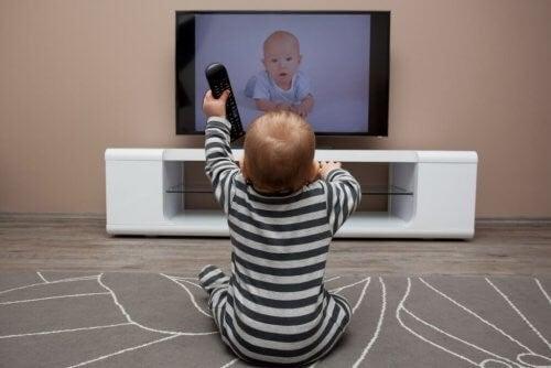 아기에게 유익한 TV 시리즈