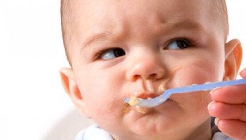 아기가 먹기를 거부한다면 어떻게 해야 할까?