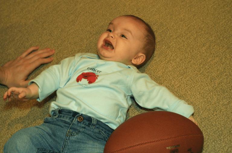 아기의 낙상 사고: 아기가 처음으로 떨어졌을 때