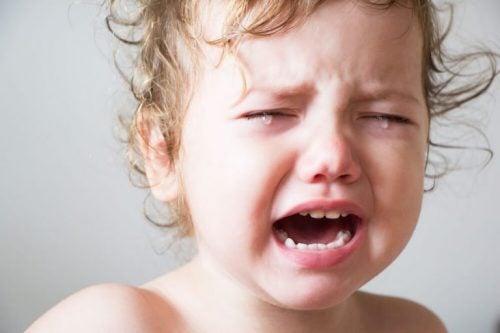 잠들지 않는 아기를 재우는 5가지 해결책