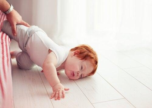 어린이 외상성 뇌 손상 두개 골절