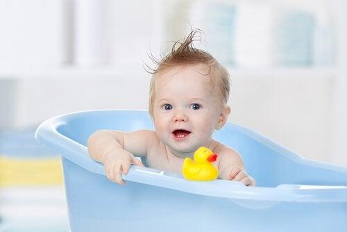 아기 목욕물의 가장 적당한 온도