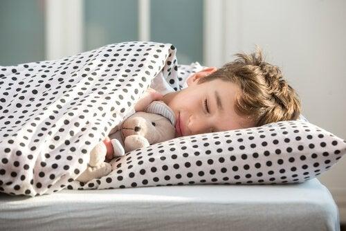 나이대별 취침 시간: 아이가 언제 자면 좋을까?