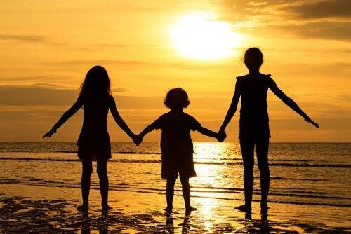 아이들의 공격성을 피하는 7가지 방법