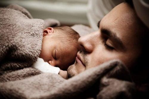 아기와 함께 자면 안 좋은 점 - 아기의 의존성