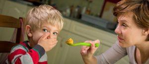 아이를 억지로 먹게 해서는 안 되는 3가지 이유