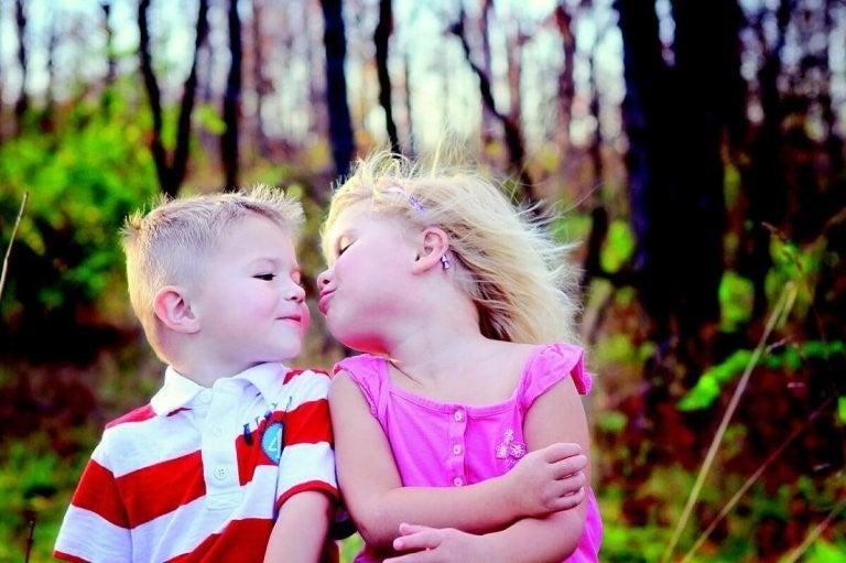 아이에게 키스를 강요하면 안 되는 이유