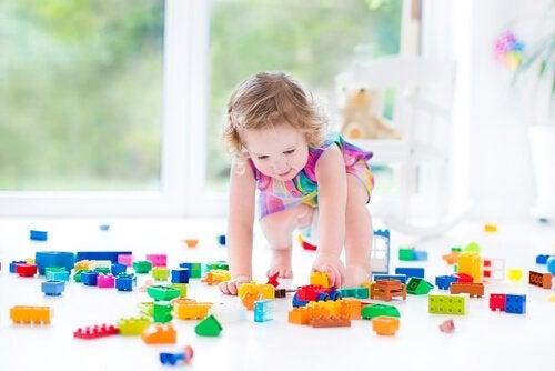 블럭 쌓기 만 0~5세 아이의 운동 기능 발달