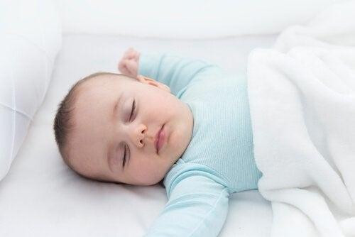 아기의 발달에 있어 목반사의 중요성