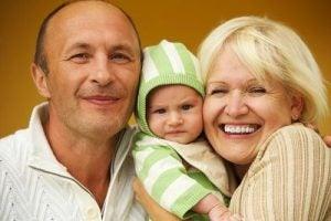 신생아를 방문하기 전에 명심해야 할 8가지