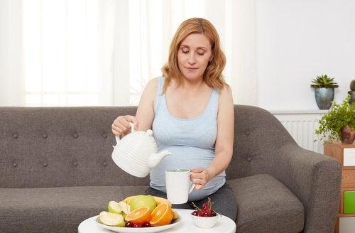 임신 중기에 임산부에게 나타나는 증상들