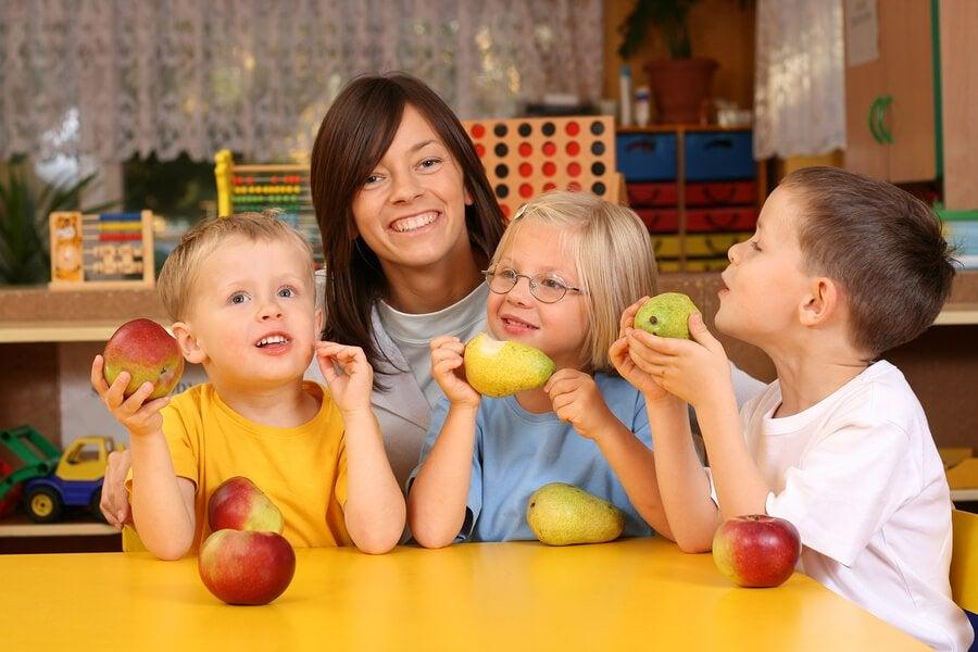 아이들을 위한 비타민이 풍부한 식품 8가지