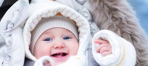 아기를 따뜻하게 만드는 4가지 팁