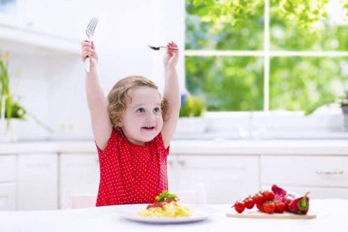 고형식을 시작하는 시기와 먹이는 방법