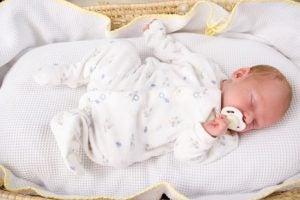 아기의 취침 시간을 규칙적으로 지키는 방법