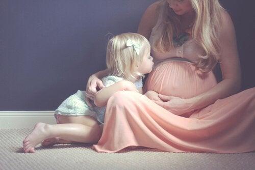 멋진 임신 사진을 찍을 수 있는 방법