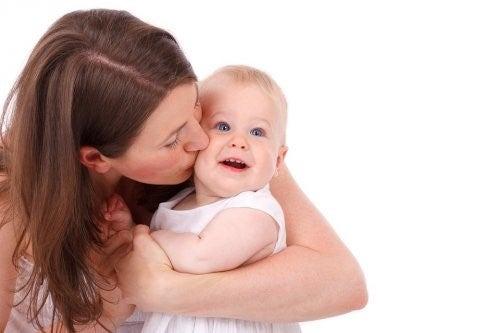 아기의 첫 치아