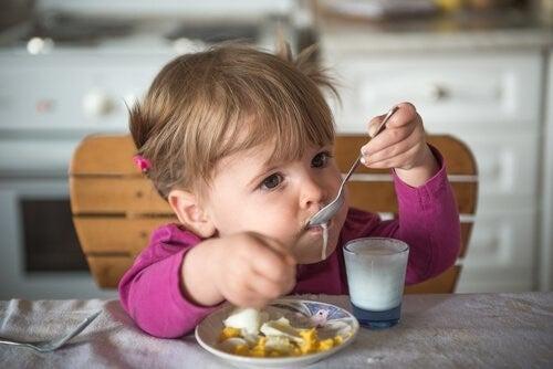 아기에게 요거트를 먹여도 될까?