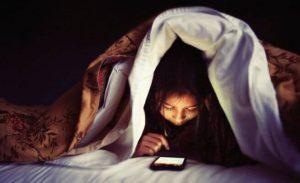 아이에게 휴대폰을 사주기 전에 해야 할 질문 6가지
