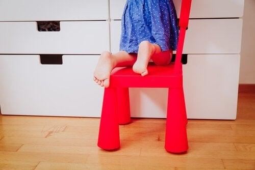 아이의 평발은 무엇이고 어떻게 예방할 수 있을까?