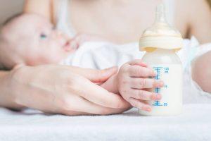 아기를 위한 우유의 종류 4가지