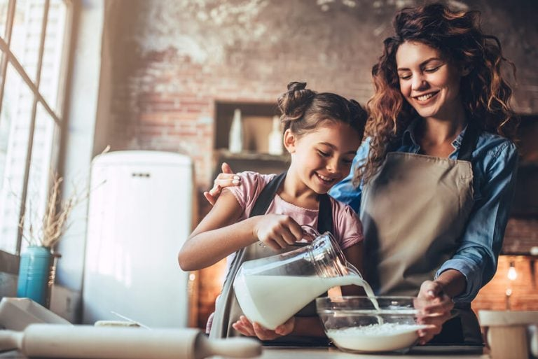 아이와 함께 만들 수 있는 맛있는 쿠키 레시피 4가지