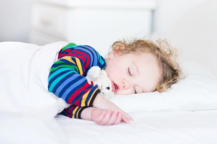 영유아기에 낮잠을 자면 얻을 수 있는 이점