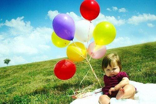 아기를 위한 다양한 색깔 풍선 놀이 7가지