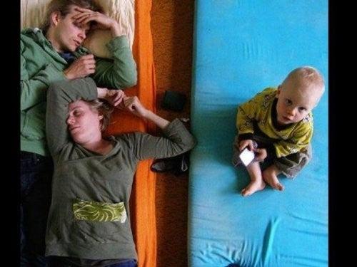 신생아를 키우는 부모의 수면 부족 문제