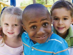 아이가 다양성을 존중하도록 가르치자